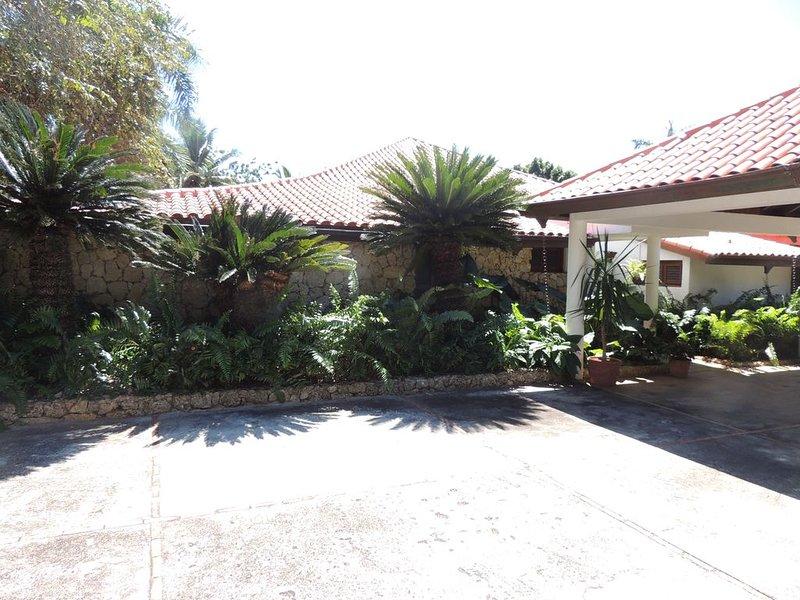 Beatiful Vivero Casa de Campo Villa, holiday rental in El Limon