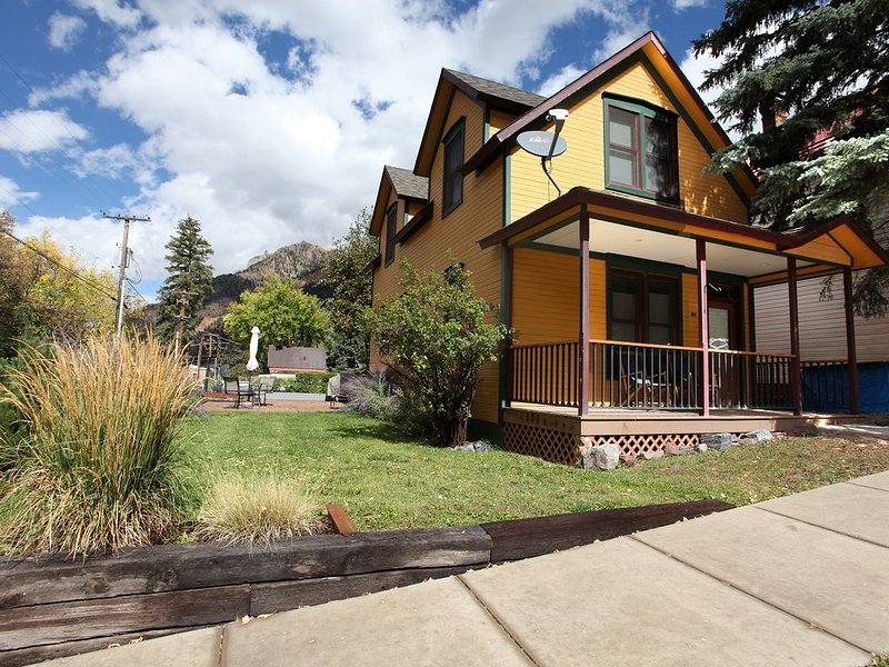 Renovated Historic Home Heart of Downtown Ouray, holiday rental in Ouray