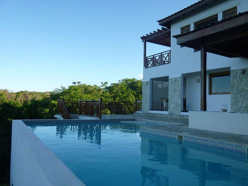 Villa Fuente de la Suerte, holiday rental in Los Robalos