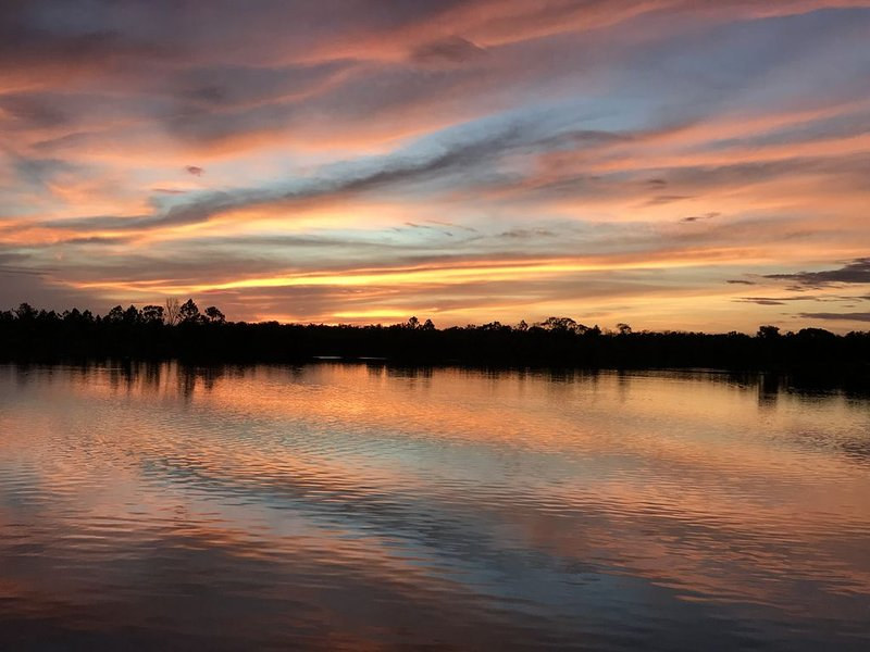 Waterfront Retreat with Amazing Sunsets, Perfect for Nature Lovers, holiday rental in Everglades City