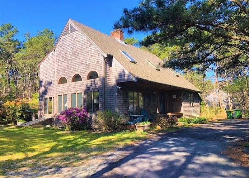 Beautiful Clean Home Walking Distance to Town, location de vacances à Wellfleet