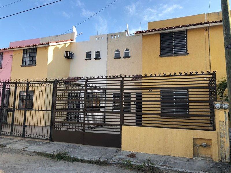Small House in a quiet area, location de vacances à Mezcales