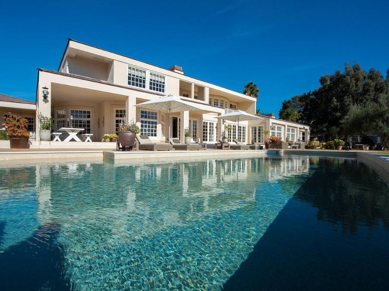 Amazing Private Family Luxury Estate in Sunny Rancho Santa Fe – semesterbostad i Rancho Santa Fe