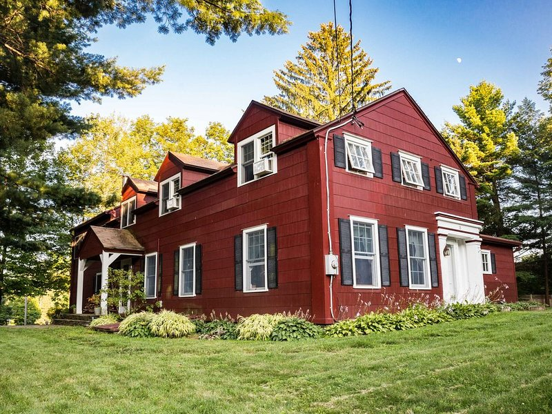 Historic Hudson Valley Home in the Berkshire Foothills, holiday rental in Copake Falls
