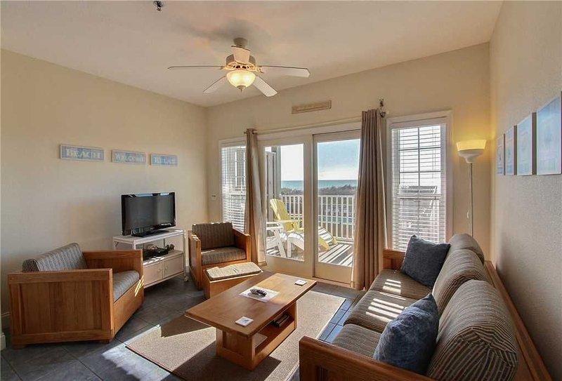 Great Ocean Views from oceanfront decks. Community pool & game room!, holiday rental in Hatteras