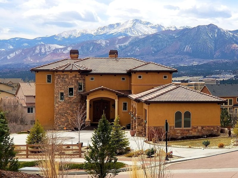 Chateau du Pikes Peak, a Tuscany Retreat, vacation rental in Black Forest