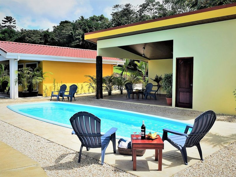 Lovely Villa in LakeGardens, Beautiful Lake View, Amazing Free Breakfast, vacation rental in Nuevo Arenal