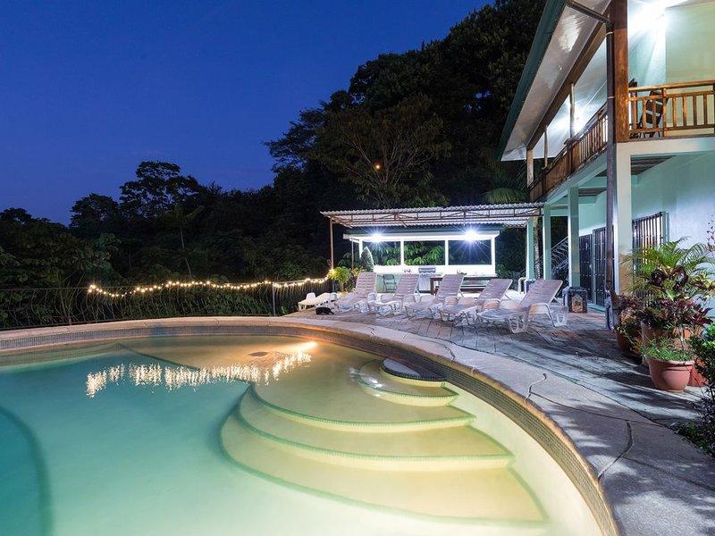 10% descuento nacionales, piscina privada/casa privada, fácil distancia social, location de vacances à Parc national Manuel Antonio