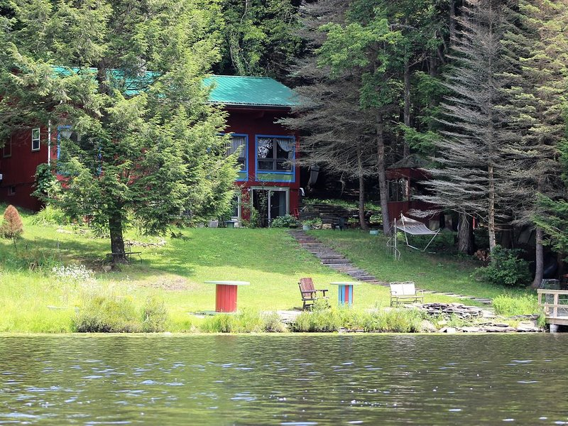 Lake Front House on Private lake, location de vacances à Jackson