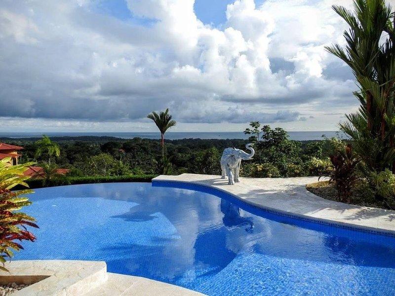 Spectacular Ocean Views!!, alquiler vacacional en Aguas Buenas