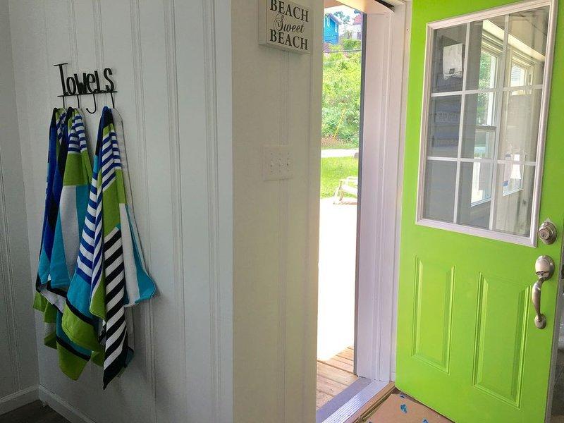 Brand New Rehab! Beautiful Beach Rental Close To Beach, Park, & Zoo, location de vacances à Beverly Shores