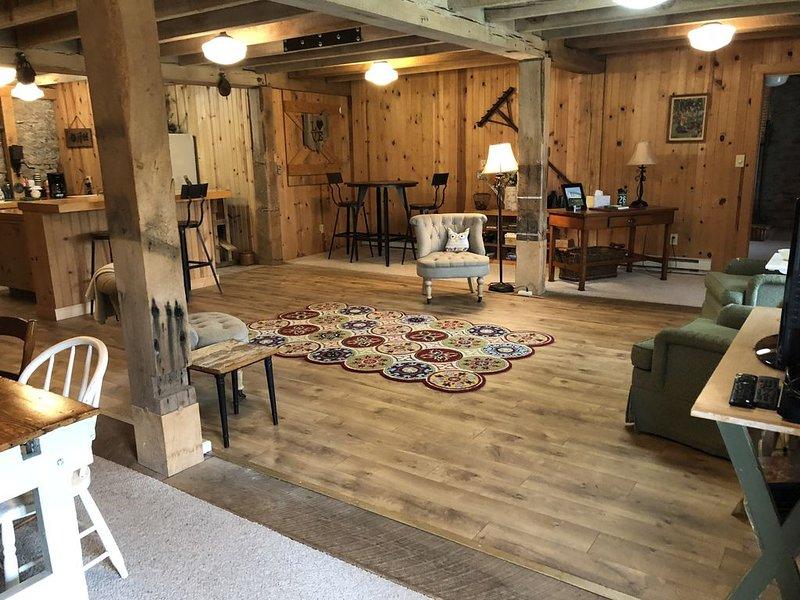 The Bunkhouse at The Ohio Barn - Historic - Built 1895, casa vacanza a Xenia