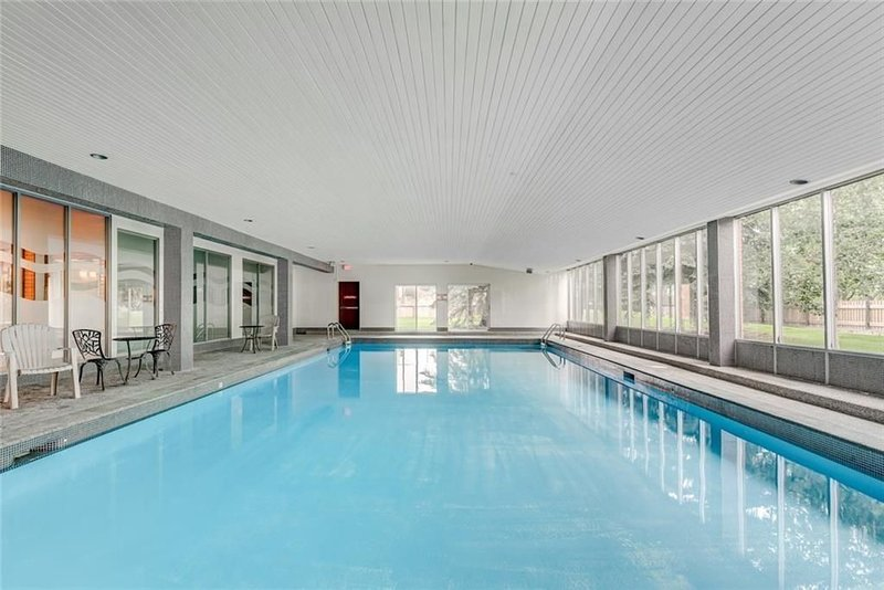180° Pool Penthouse: Long Term  [ BL231360 ], vakantiewoning in Calgary