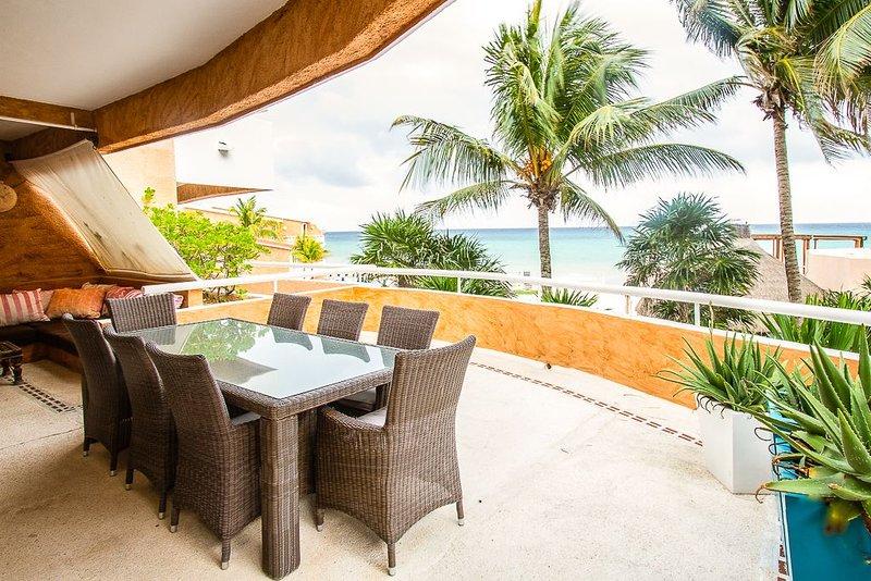 Beachfront Condo at Sunset Fisherman´s Resort Playacar 225, holiday rental in Playacar