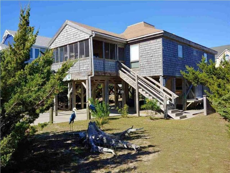 Oceanside Beach Home (one level), holiday rental in Hatteras Island