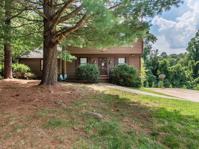 Most Comfortable Home in Statesville...Guaranteed!, location de vacances à Cooleemee