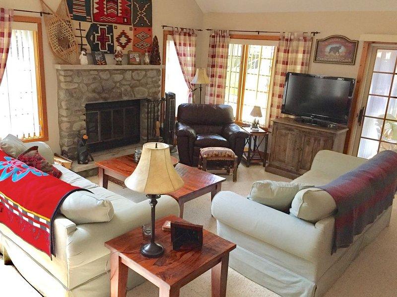 Jack Frost Area Adirondack Style Home - 4 Season Resort Area, holiday rental in Bear Creek