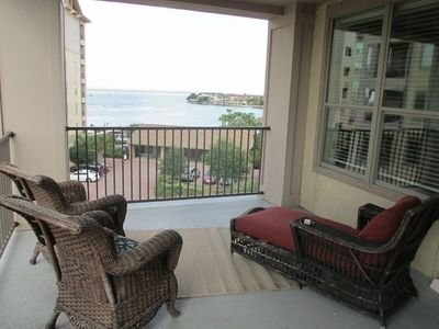 Relax on the balcony and enjoy the serenity of Lake LBJ, holiday rental in Horseshoe Bay