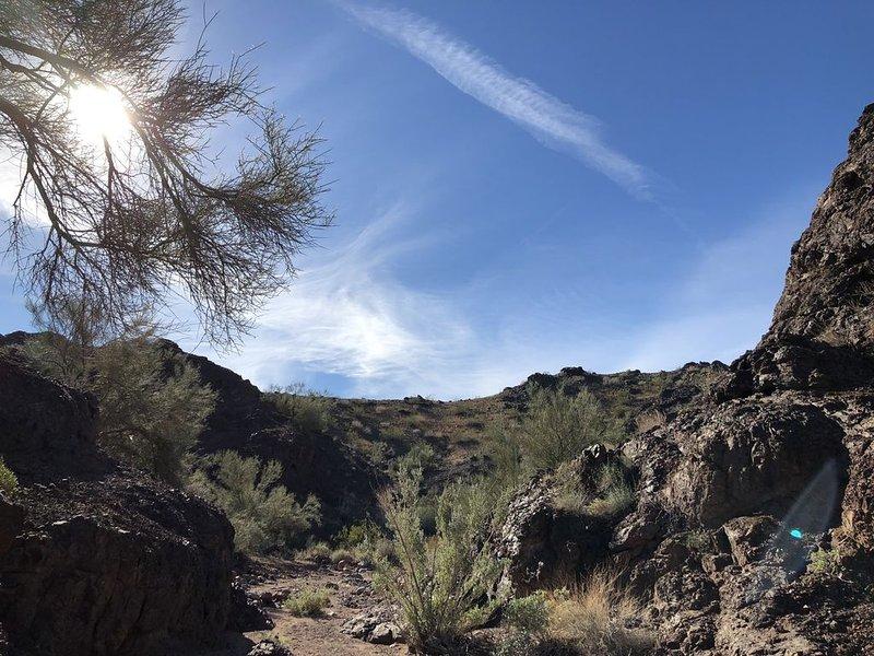 Desierto de senderismo cerca de la cabaña