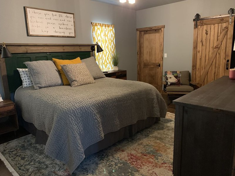Beautiful Barndominium for any occasion!, holiday rental in Rockwood