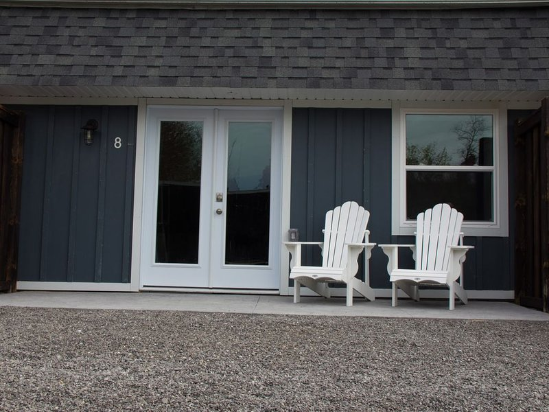 My Lighthouse Cottages #8, holiday rental in Haldimand