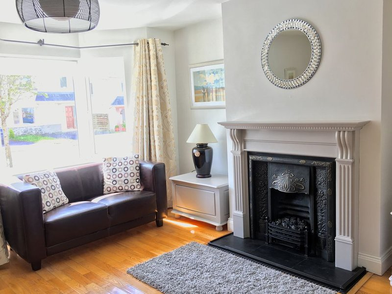 Cosy 3 bed holiday home, aluguéis de temporada em Kenmare