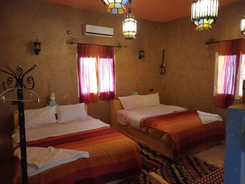 Kasbah Du Berger is your Sahara Hostel in Merzouga dunes. Welcome to the desert!, vacation rental in Merzouga