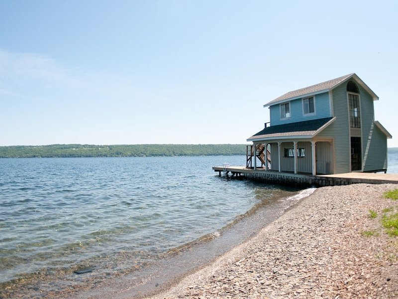 120 Feet of Private Beachfront, holiday rental in Trumansburg