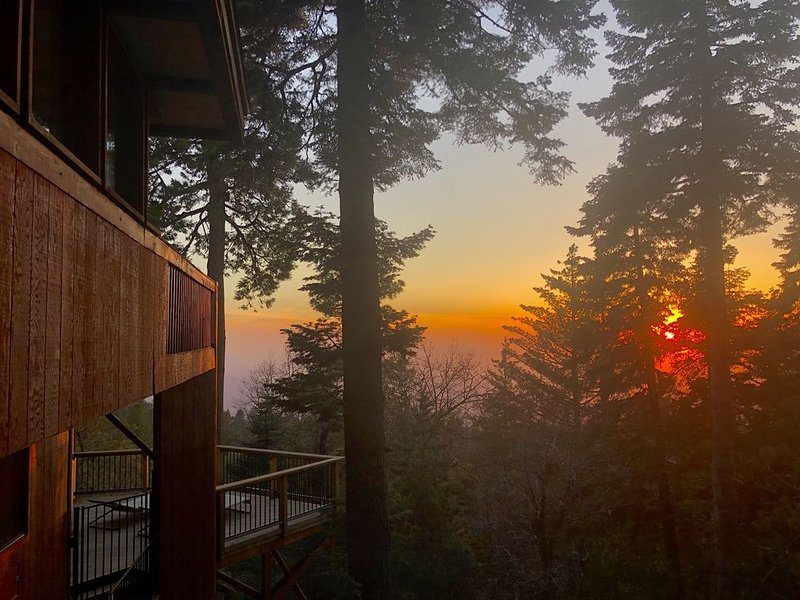 The Summer Solstice House-Cal-Zen, Hot-Tub and Sunsets., alquiler de vacaciones en Pine Cove