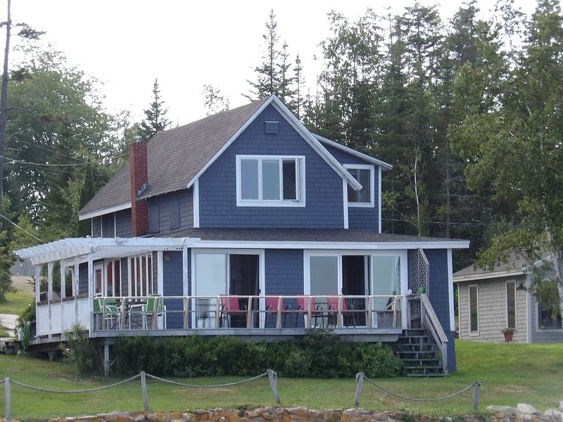 Charming Waterfront Cottage, vacation rental in South Thomaston