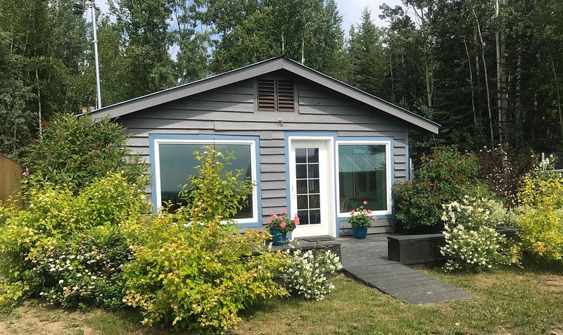 Cozy, secluded cottage with view, holiday rental in Fairbanks