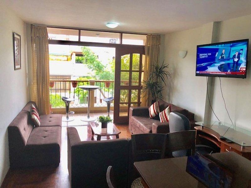 Apartment in a gated community 8 blocks from the Pacific Ocean, vacation rental in Chorrillos