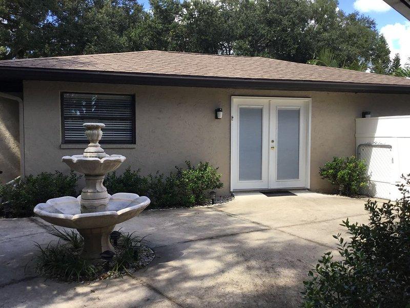 Guest House w/ private entrance, aluguéis de temporada em Fruitville