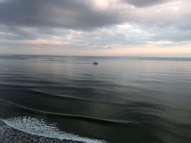 Beautiful Newly Remolded Condo!  Best View on the Beach!, aluguéis de temporada em Garden City Beach
