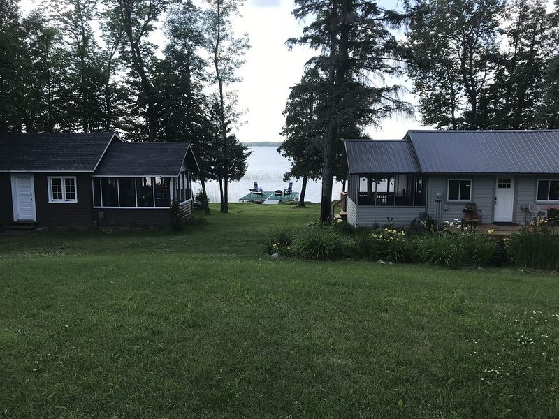 2 CABINS-1 GREAT RATE- RELAX AND HAVE FUN ON NORTHWOODS LAKE, holiday rental in Deer River