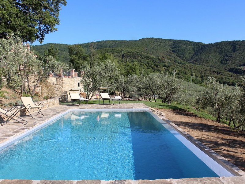 Tuscany, Pure Relaxation for Friends and Family in the heart of Tuscany, holiday rental in La Strada-Santa Cristina