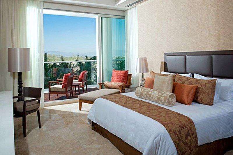 Grand Luxxe 1bd/1.5ba #4 Golf and Spa Vidanta Resort, location de vacances à Jarretaderas