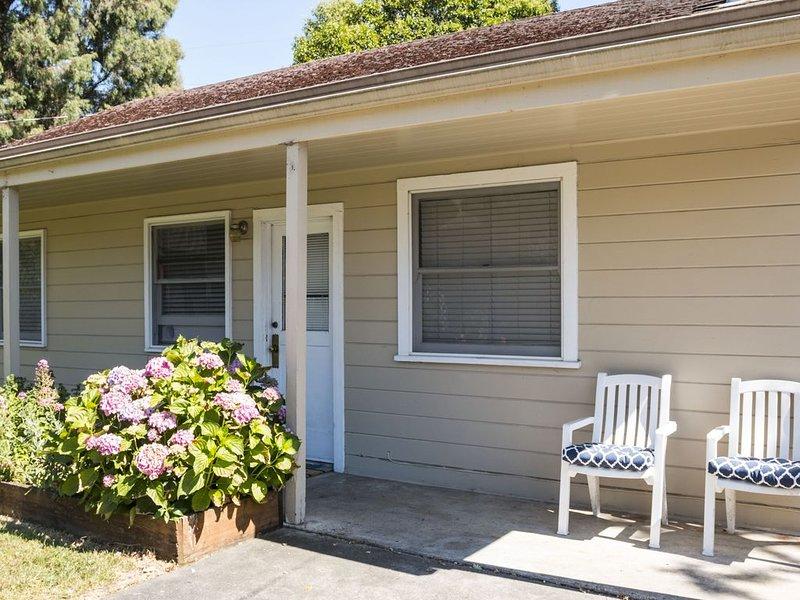 West End Cottage with King Bed, location de vacances à Santa Rosa
