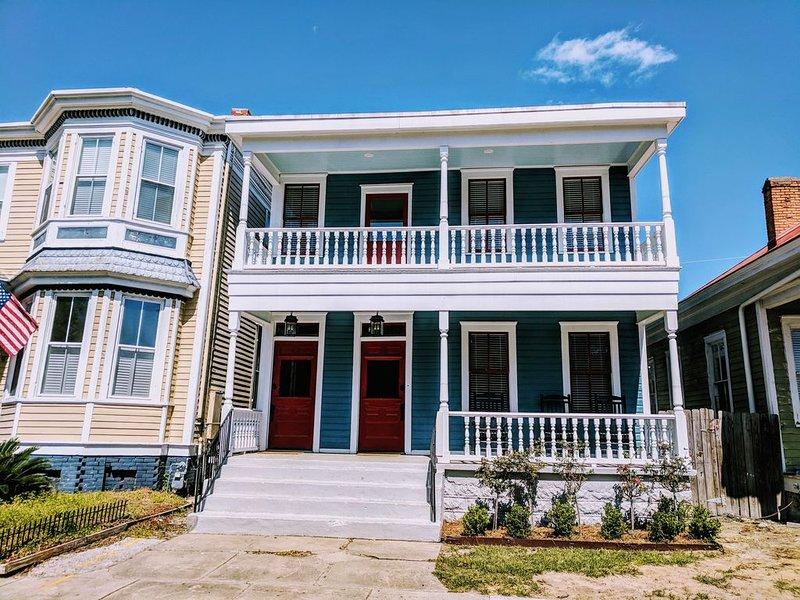 Entire Duplex in Starland District, holiday rental in Georgetown