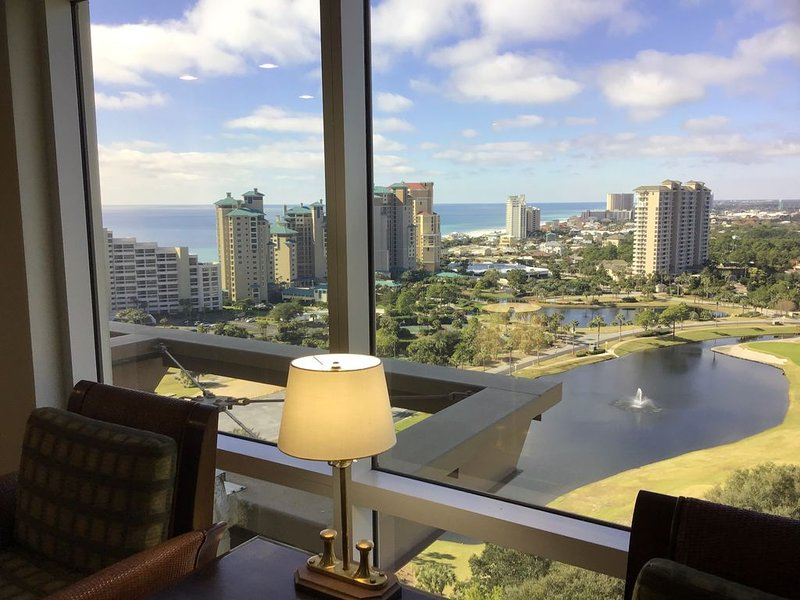 Fantastic Beach and Gulf views 18th floor Destin condo sandestin resort, location de vacances à Destin