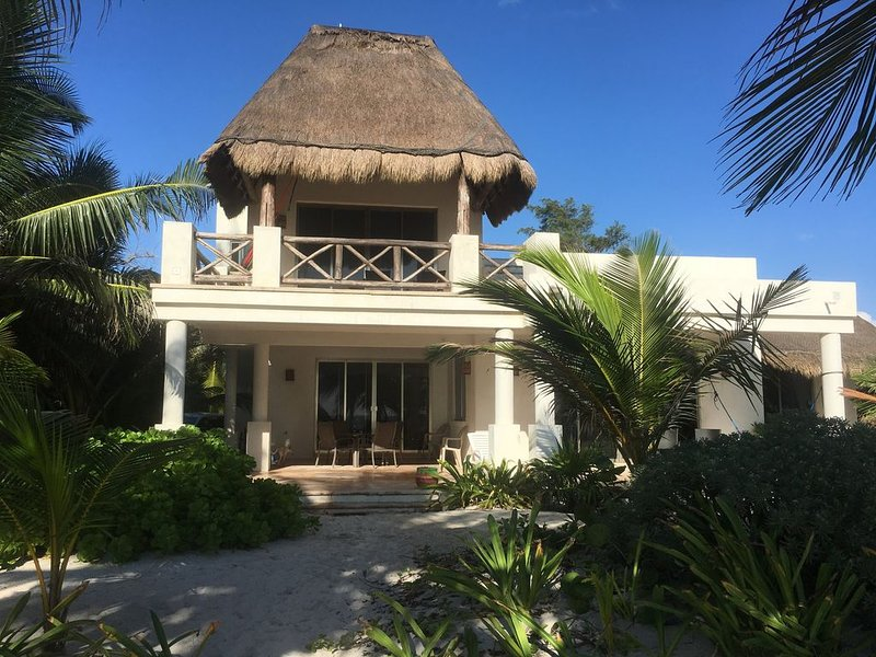 Casa Costa Cristal, beautiful beachfront home, holiday rental in Mahahual