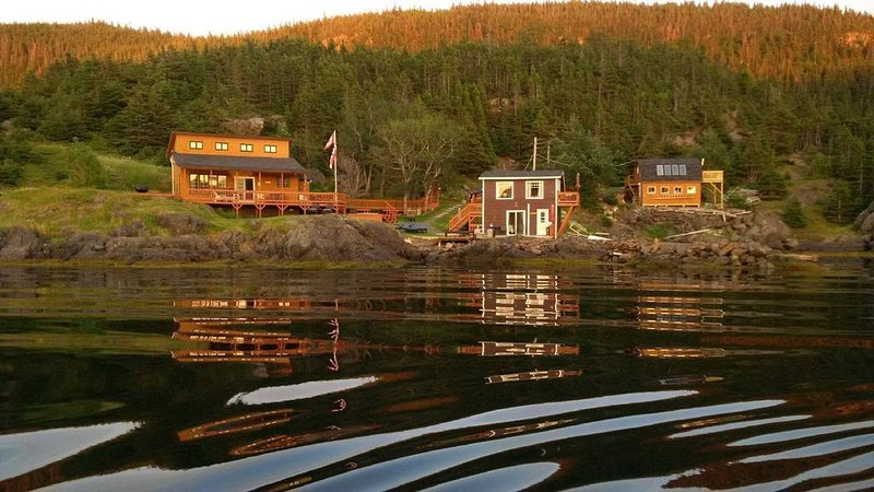 Knight's Landing private upper suite located in Moretons Hbr on the ocean. – semesterbostad i Twillingate