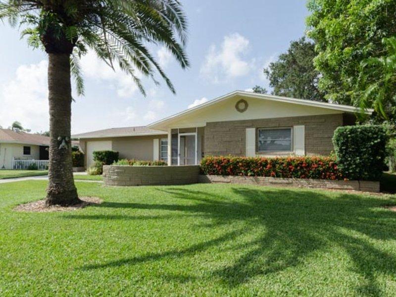 Beautiful Pool Home Close to Siesta Key Beach, casa vacanza a Gulf Gate Estates