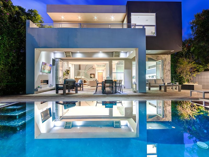 5 Bedroom Villa #D Located in the exciting Grove area of Los Angeles – semesterbostad i Los Angeles