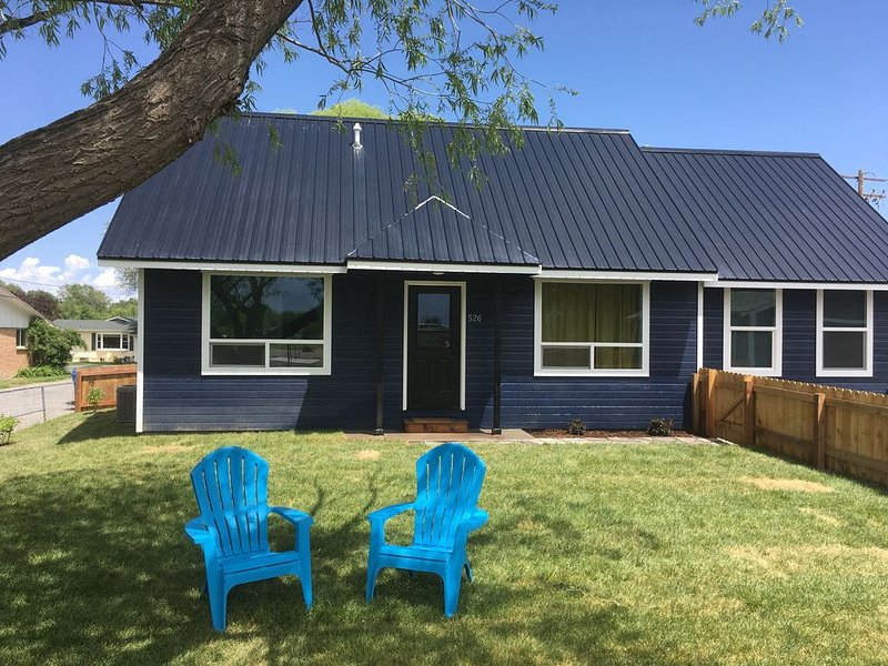 Brand New 3BR Home in Historic Downtown Montrose, CO, alquiler vacacional en Montrose