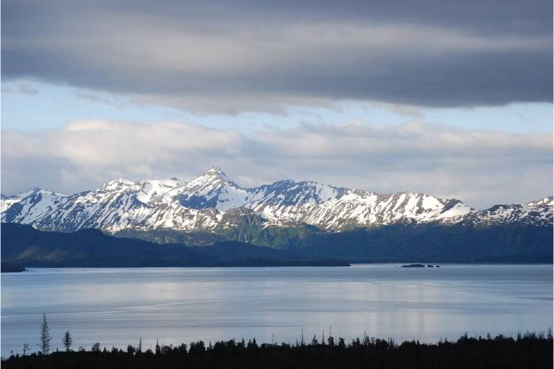 Homer's Best Views from the Cozy Corner Cabin, holiday rental in Fritz Creek