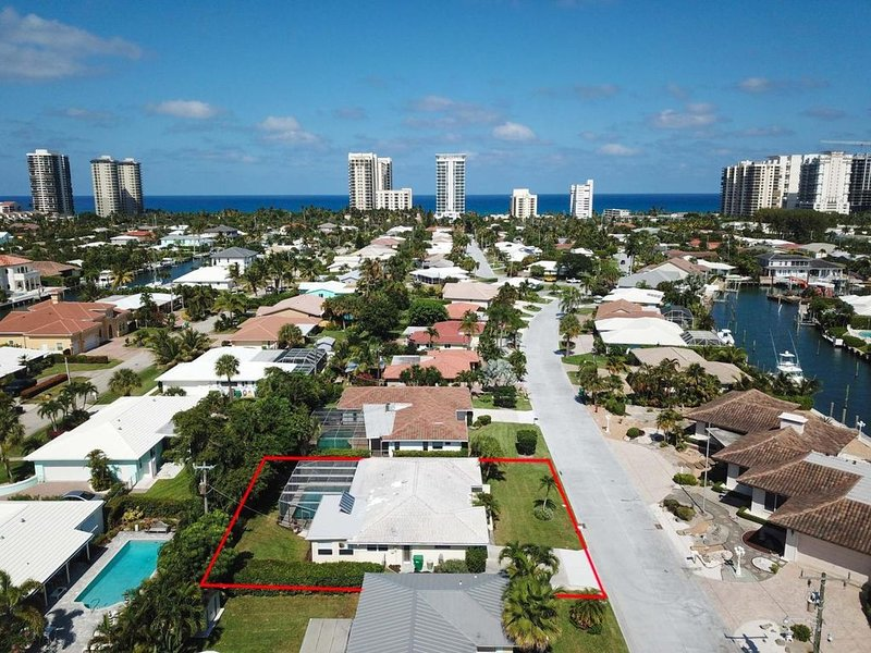 New! Singer Island Oasis w/ Private Heated Pool, vacation rental in Singer Island