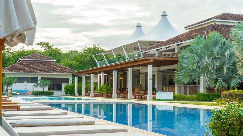 ¡Disfruta de 2 piscinas: la piscina de condominios de Jobo y la piscina Reserva Conchal Beach Club!