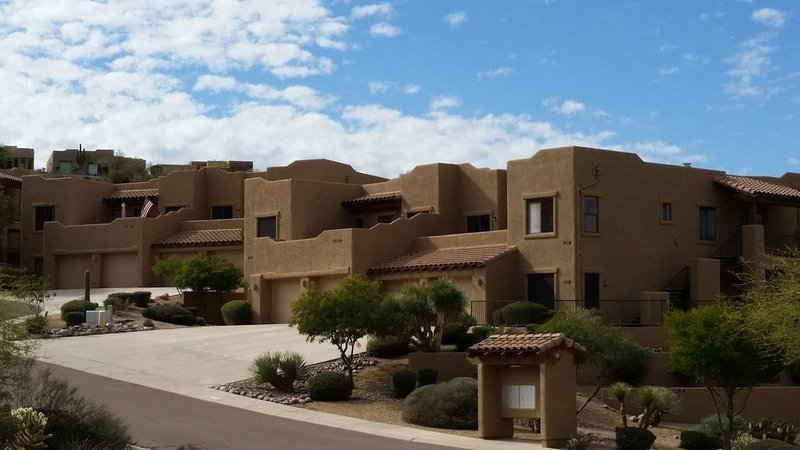 Spacious luxury condo with views in all directions, near Mayo, Casino, wildlife, alquiler de vacaciones en Fountain Hills