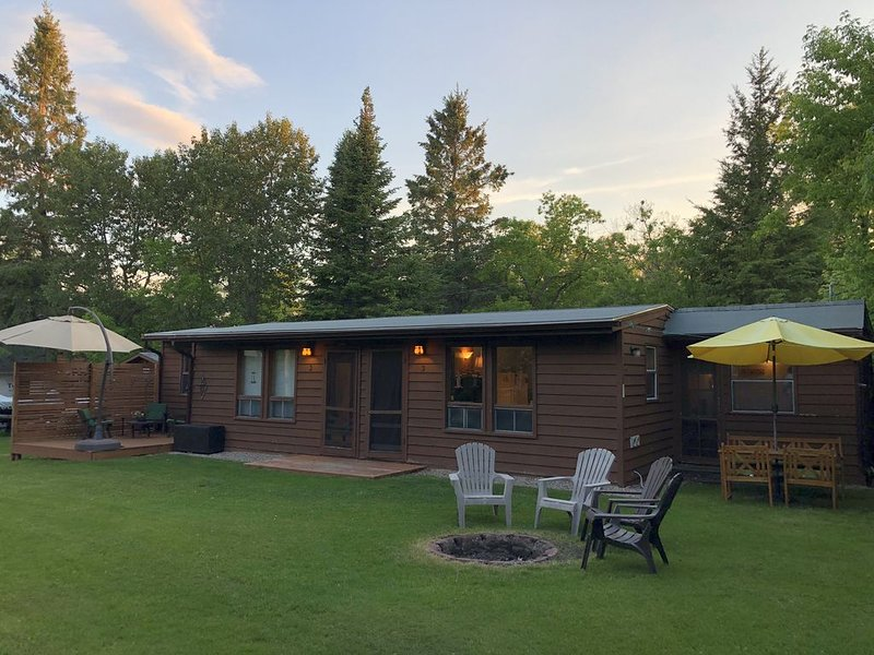 Cabin Rental On Secluded, Calm, Clear, Quiet, Gull Lake – semesterbostad i Belair